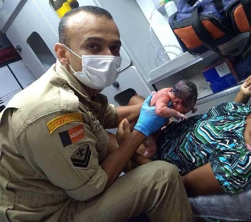 Paraíba Online • Equipe de resgate do Bombeiros em Campina realiza dois partos em menos de 72h