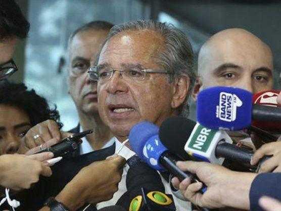 Paraíba Online • Bolsonaro recebe proposta para combater fraudes e privilégios no INSS