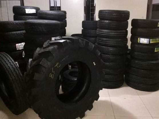 Paraíba Online • Receita Estadual flagra descarga de pneus em depósito clandestino no Sertão