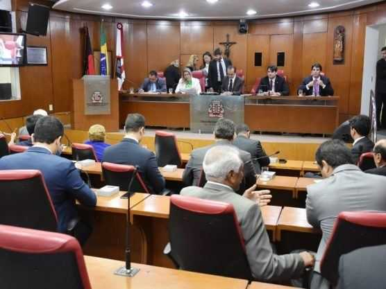 Paraíba Online • Vereadores aprovam título de cidadania pessoense para Jair Bolsonaro