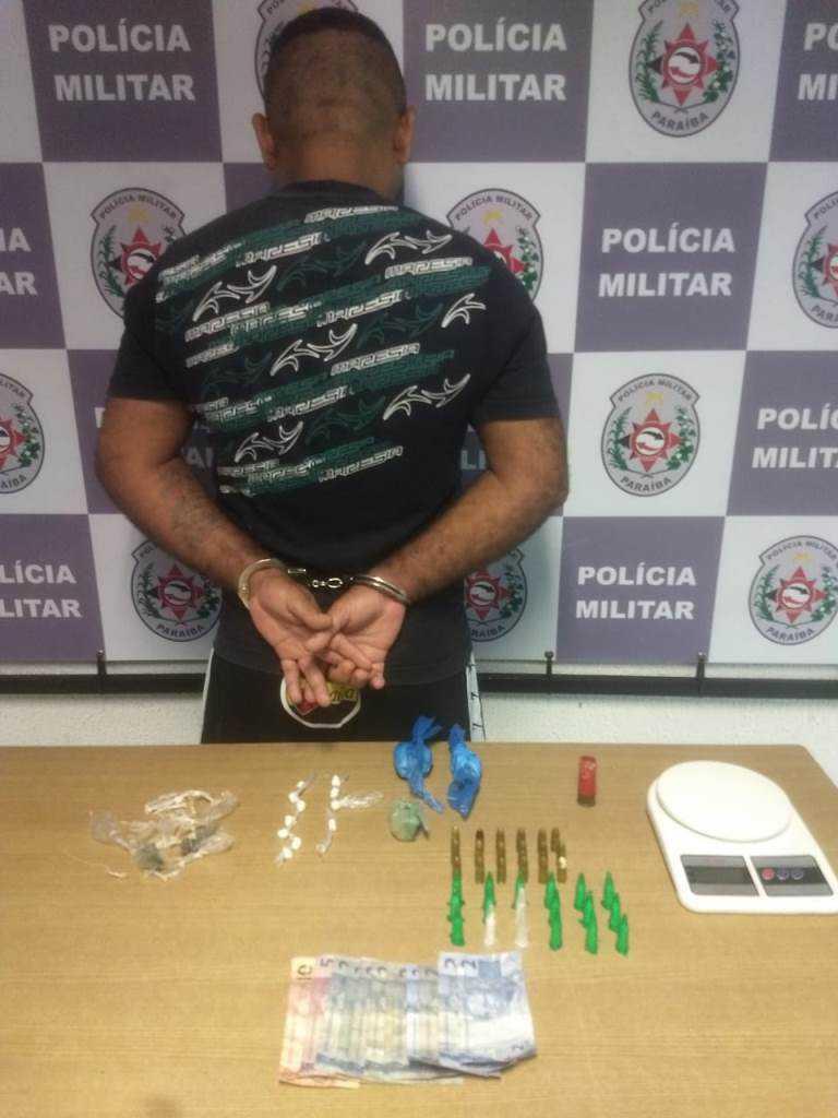 Paraíba Online • Trio suspeito de tráfico de drogas é preso em João Pessoa