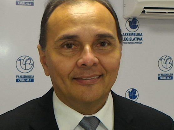 Paraíba Online • Vice-presidente do PSD/PB comenta filiação de Romero. Veja a entrevista