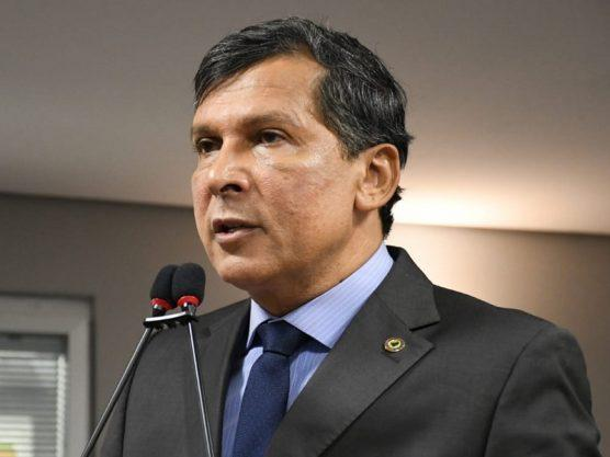 Paraíba Online • Escute trechos do discurso do líder do governo na ALPB fustigando ex-governador