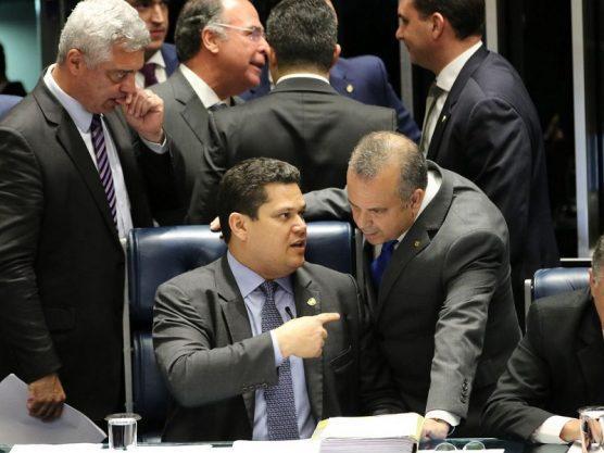 Paraíba Online • A 3 horas de fim do prazo de validade, Senado aprova MP do pente-fino do INSS
