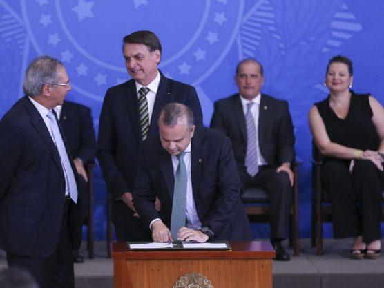 Paraíba Online • Governo Bolsonaro torna menos rígidas normas trabalhistas