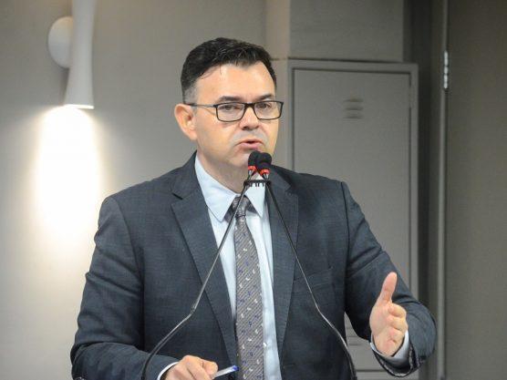 Paraíba Online • Líder da oposição nega pressão da bancada no julgamento da AIJE do Empreender