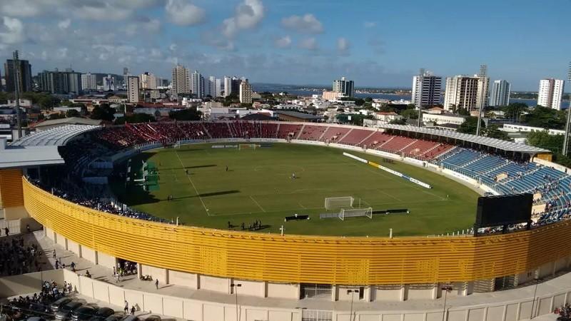 Paraíba Online • Empolgado, Treze visita Confiança com esperança de sair do Z-2