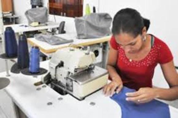 Paraíba Online • Amde abre inscrições para curso gratuito de Corte e Costura na Vila do Artesão
