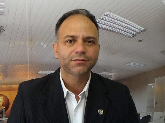 Paraíba Online • Líder da oposição em Campina anuncia que fica com João e critica Siqueira