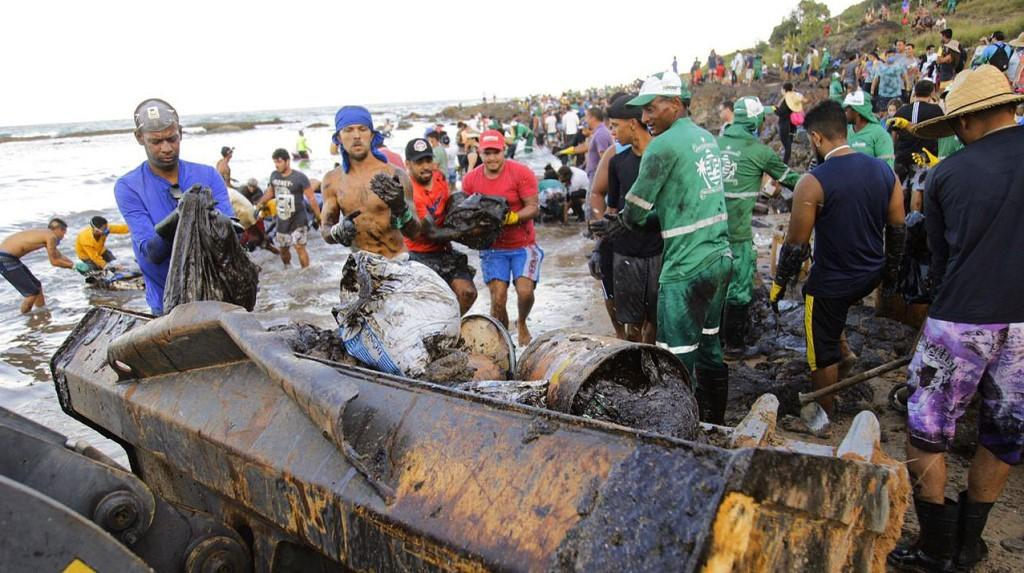 Paraíba Online • Desastre nas praias do Nordeste é inédito no mundo, informa Ibama