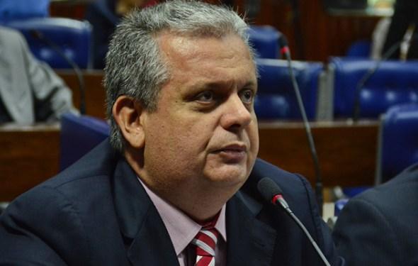 Paraíba Online • Deputado entrega cargos ao governador João Azevêdo