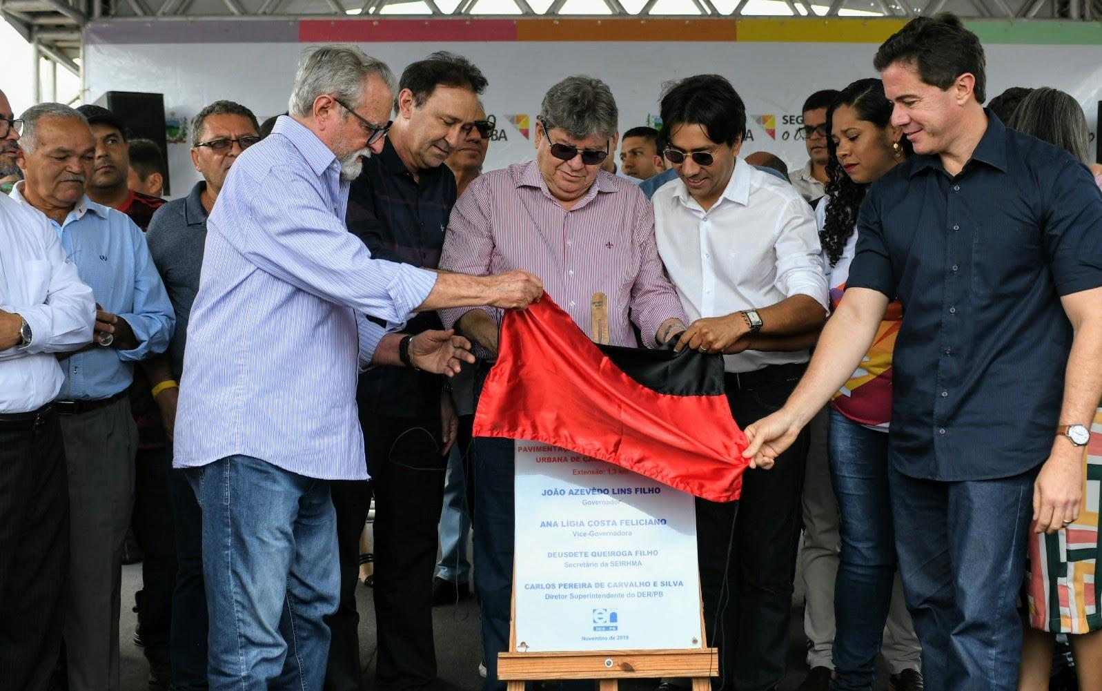 Paraíba Online • Governo entrega travessia urbana de Cacimba de Dentro e anuncia novas obras