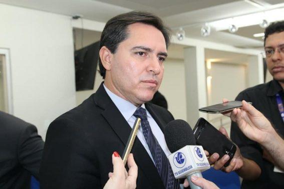 Paraíba Online • Secretário paraibano critica recuo de Bolsonaro sobre Ministério da Segurança