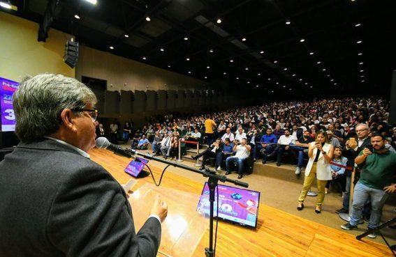 Paraíba Online • Solenidade do governo homenageia estudantes do programa Gira Mundo