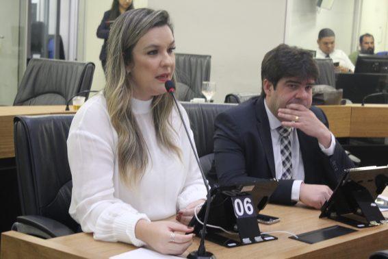 Paraíba Online • Deputada opina que nada que vem do governo Azevêdo é confiável