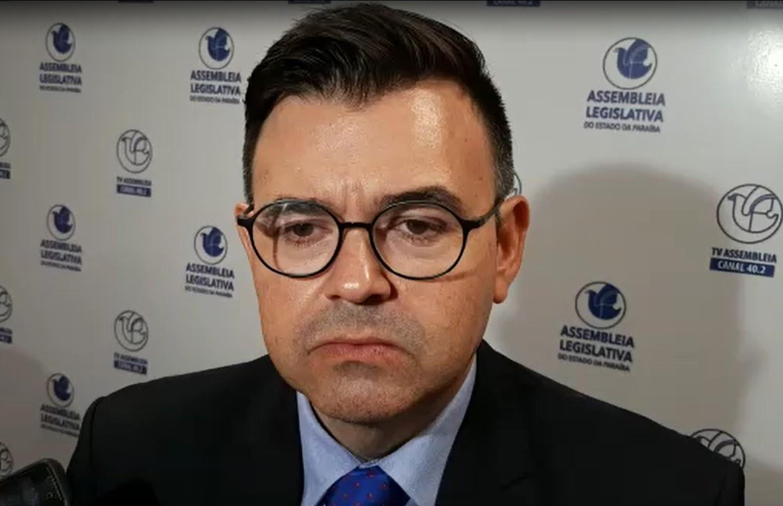 Paraíba Online • Líder da oposição comenta estranhamento em relação à lei que criou a PB Saúde