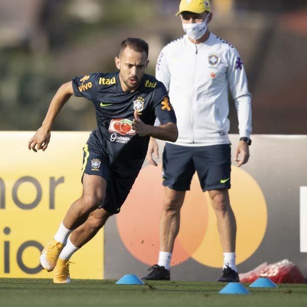 Paraíba Online • Depois de dispensá-lo do Corinthians, Tite reconhece talento de Everton Ribeiro