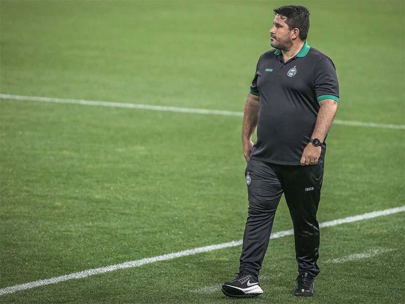 Paraíba Online • Botafogo demite técnico argentino e anuncia volta de brasileiro