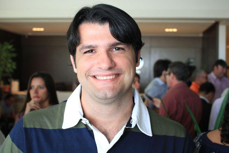 Paraíba Online • Novo vice-prefeito de JP agradece população pela vitória