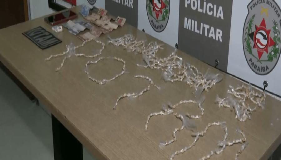 Paraíba Online • Polícia apreende crack em carro de transporte por aplicativo