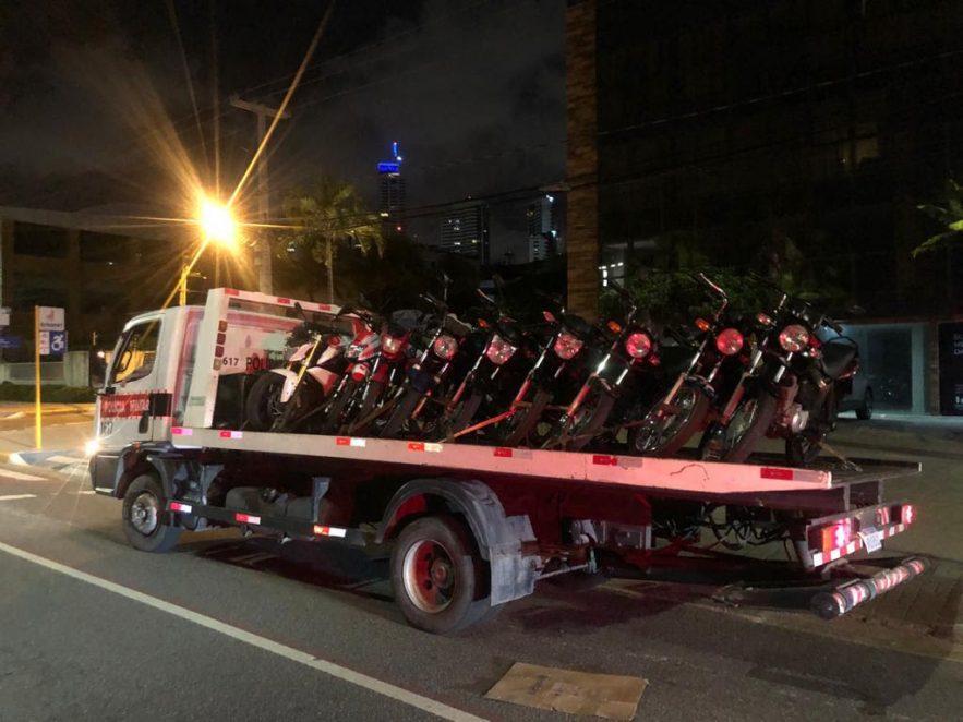 Paraíba Online • PM apreende nove motocicletas na orla de João Pessoa