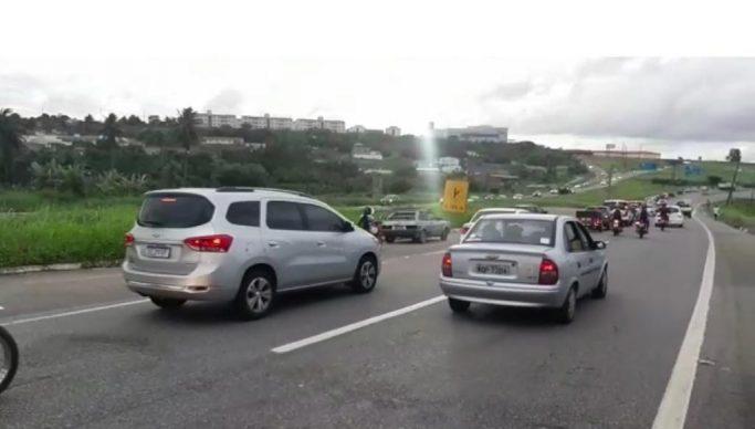 Paraíba Online • PRF registra fluxo intenso de veículo de mais de 25% nas saídas de João Pessoa