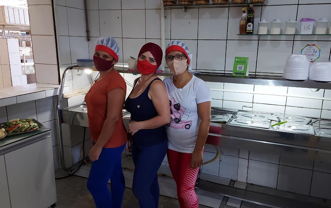 Paraíba Online • Semana da Mulher: conheça a história de feirantes que ganham a vida com restaurante em CG