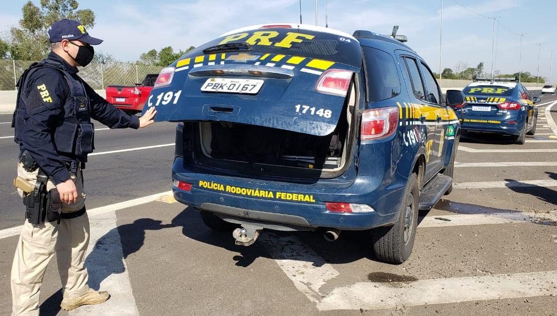 Paraíba Online • Condutor é preso em Campina Grande com CNH falsa e mais de 50 kg de crack