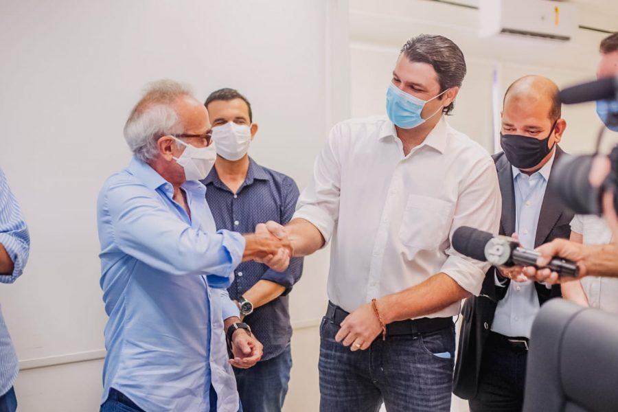 Paraíba Online • Prefeito de JP transmite cargo ao vice antes de viagem a serviço